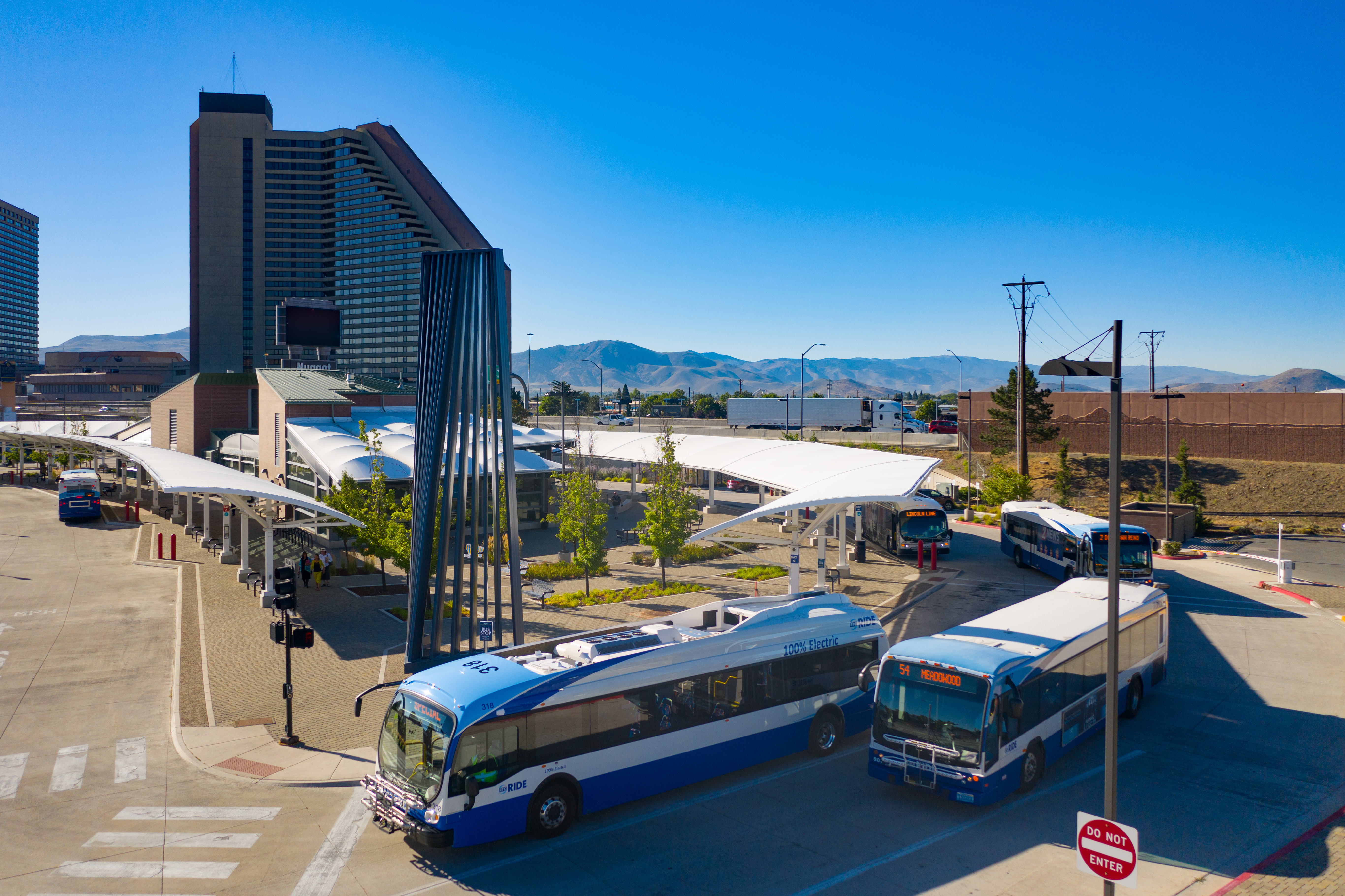 2019_Reno_Bus_Pull Out